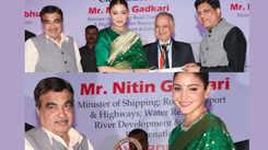 Anushka Sharma receives Smita Patil Memorial Award
