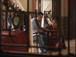 Jr NTR and Pooja Hegde's 'Peniviti' lyrical from 'Aravindha Sametha' rakes in more than 2M views