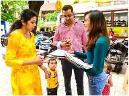 RA Podar students promote the use of paper bags in this festive season
