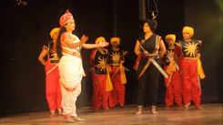Jhalkari captivates the city audience