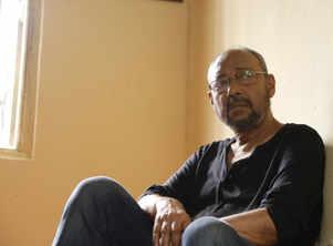 Bickram all praise for Anjan Dutt