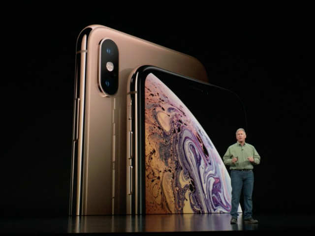 Iphone X Amazon Showed An Iphone Without The Notch And