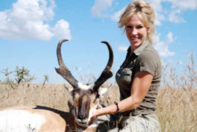Beauty queen criticized for killing 100 species of animals
