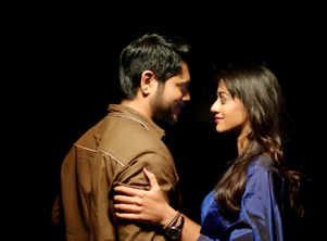 The couple in 'Pon Maalai Pozhudhu' talks in mind voice