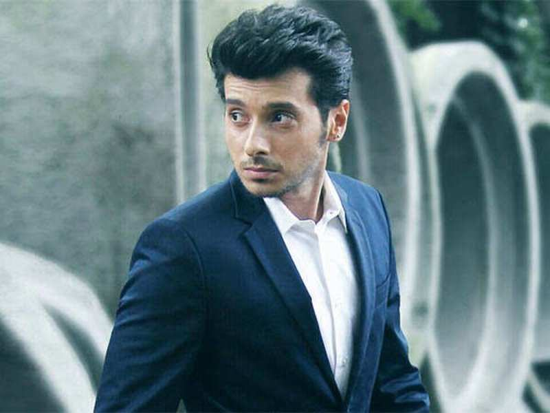 Divyendu Sharma: If an actor does their job with honesty and sincerity, they will get rewarded