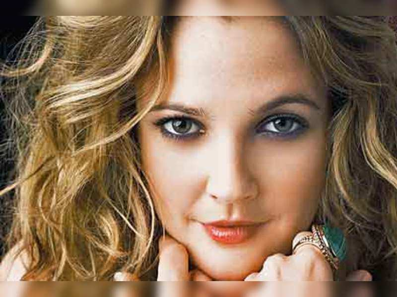 """Drew Barrymore <a href=""""http://photogallery.indiatimes.com/articleshow/2136256.cms"""" target=""""_blank"""">More Pics</a>"""