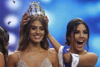 Valerie Morales Delgado crowned Miss Universe Columbia 2018