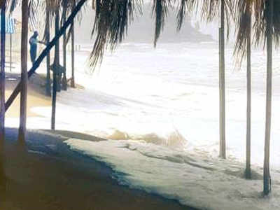 tourism hit after high tide: Tourism hit after high tide makes Goa