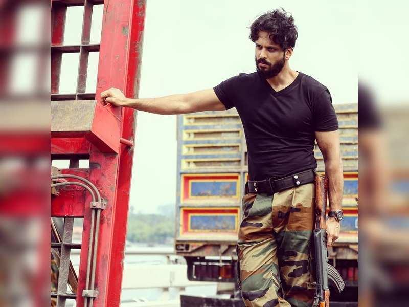 Aadarsh Balakrishna to play an army officer next