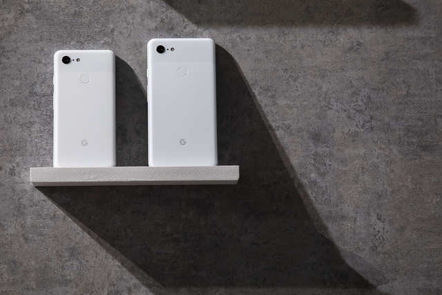 Google Pixel 3 XL vs iPhone XS Max: How Google's new big-screen smartphone compares to that of Apple