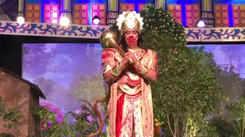 Actor Vindu Dara Singh plays Hanuman in Delhi's Ramlila