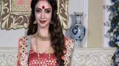 Pooja Banerjee takes day off to enjoy Puja