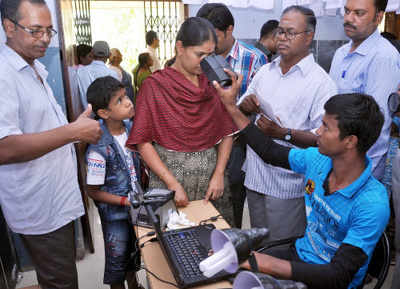 Will go on strike, CSC staffers warn UIDAI   India News - Times of India