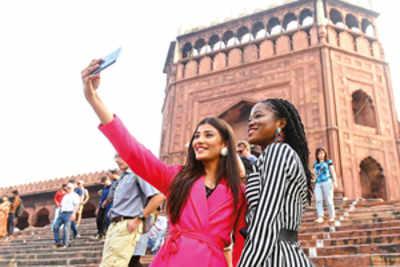 Delhi darshan for beauty queens