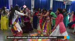 Students & teachers had fun dancing together at this do in Lucknow!