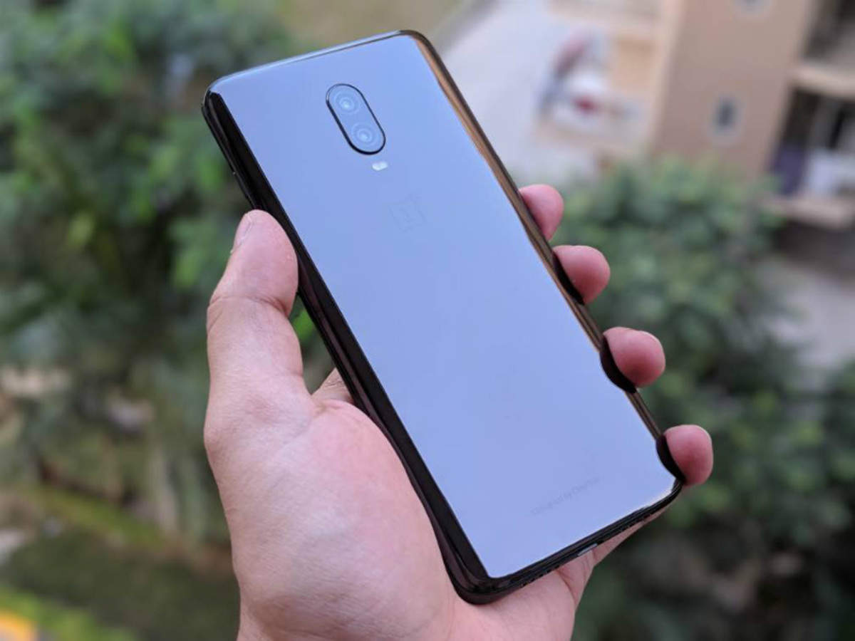 OnePlus 6T Review: Upgrade to a 'T' | Gadgets Now