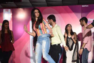 Lingaya's students woo Soundarya Sharma at Fresh Face auditions