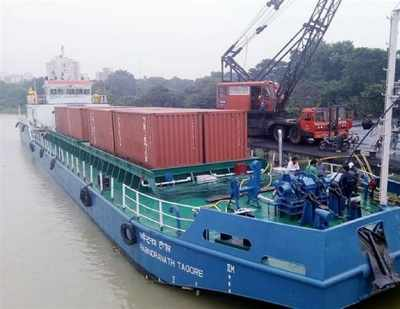 PepsiCo moving 16 containers on inland vessel over river