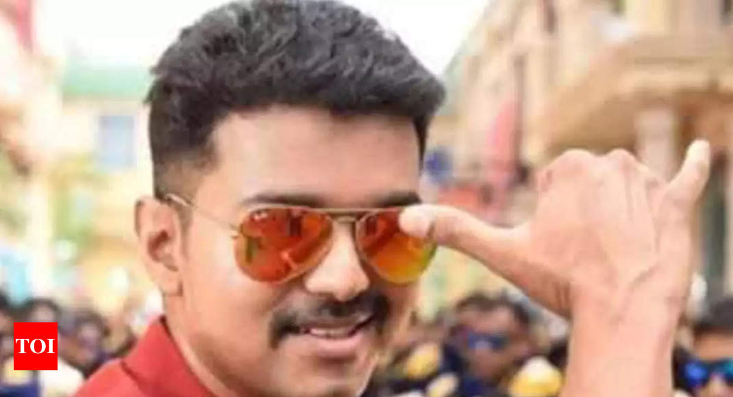 Sarkar issue ends, one scene from Vijay-starrer removed and controversial dialogues muted in two places - Times of India