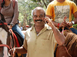 Ravi Kale turns horse-rider for tourists in his next film