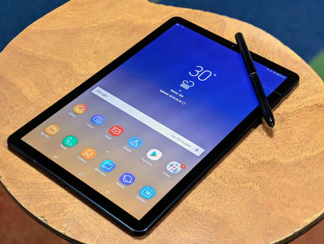 After foldable phones, Samsung patent shows a foldable tablet with three screens