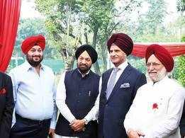 Venkaiah Naidu celebrates prominent Sikhs