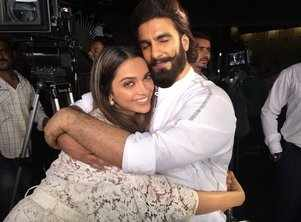 DeepVeer wedding vows and pheras completed