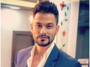 Kunal Kemmu to make his debut on TV