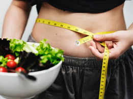 Eat your dinner at 2 p.m if you want to lose weight!