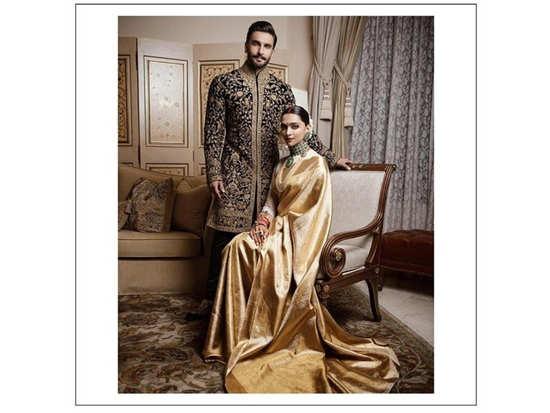 Deepika Padukone and Ranveer Singh look like royalty all decked up for their Bengaluru wedding reception!