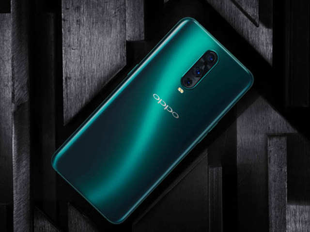 Oppo R17 vs Oppo R17 Pro: What do you get extra for Rs