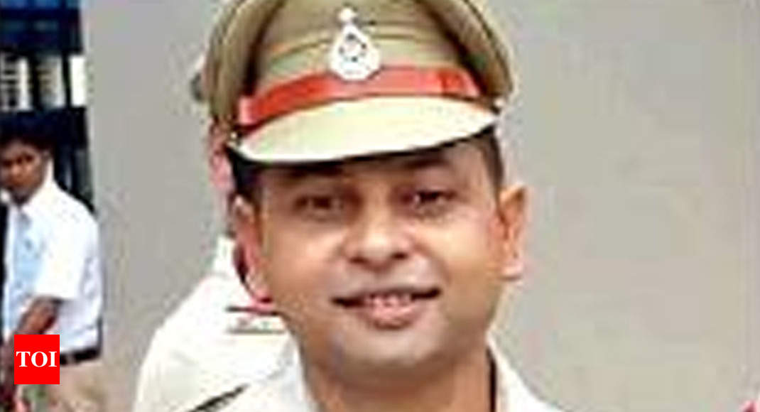 Bhopal Police Inspector Gets India S Best Cyber Cop Award