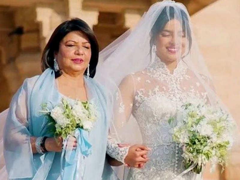 Priyanka Chopra Wedding Photos Madhu Chopra Says Daughter Priyanka Chopra Looked Like A Princess On Her Wedding