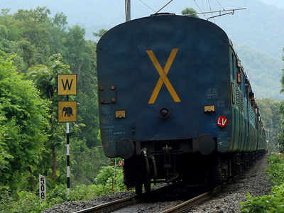Trains to get fog safety devices   Patna News - Times of India