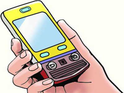 e8098e2ea 13 stolen mobile phones seized from 2 men in Chennai