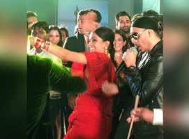 Watch Aish and Deepika burn the dance floor