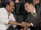"""Photo: Akshay Kumar wishes his """"dream co-star"""" Rajinikanth on his birthday with a lovely message"""