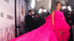 Jennifer Lopez turns heads with her look at 'Second Act' premiere