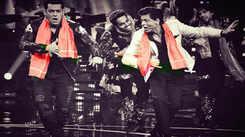Shah Rukh Khan and Salman Khan match steps once again on 'Issaqbaazi'