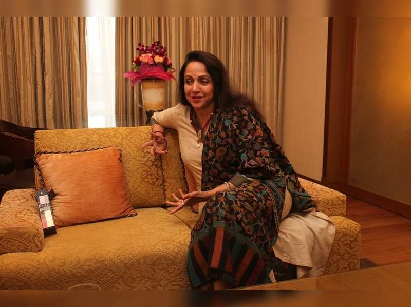 Today Deepika Padukone Is The Dream Girl Of Today Says Hema Malini Hindi Movie News Times Of India