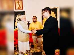 Karan Johar is honoured to meet PM Narendra Modi