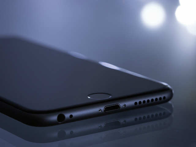 Apple is working on an all-glass iPhone, here's what proves it