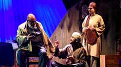 Play starring Saurabh Shukla, Sadiya Siddique wows Jaipur's audience