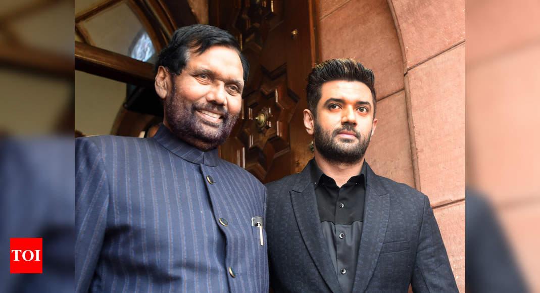 2019 Lok Sabha Polls Ram Vilas Paswan Holds Talks With Jaitley Over Seat Sharing In Bihar India News Times Of India