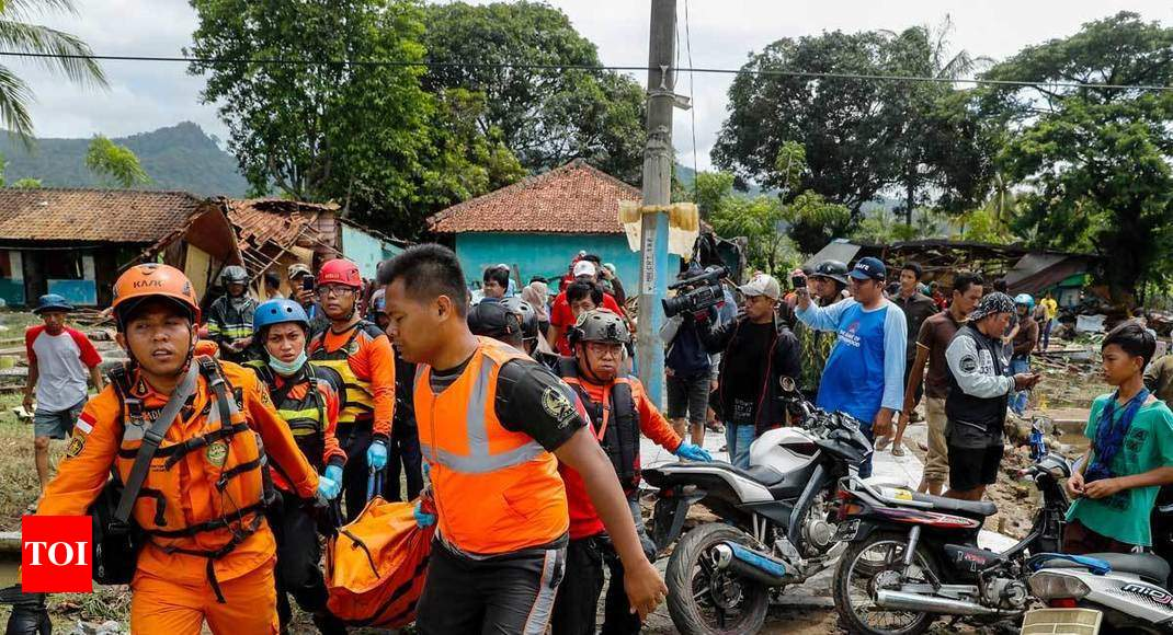 QnA VBage Indonesia tsunami toll hits 373; hunt on for victims