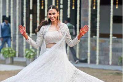 An intimate shaadi for former Miss India Earth Hasleen Kaur