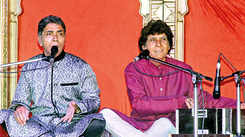 When Ustaad Ahmed Hussain and Ustad Mohammad Hussain performed in Lucknow