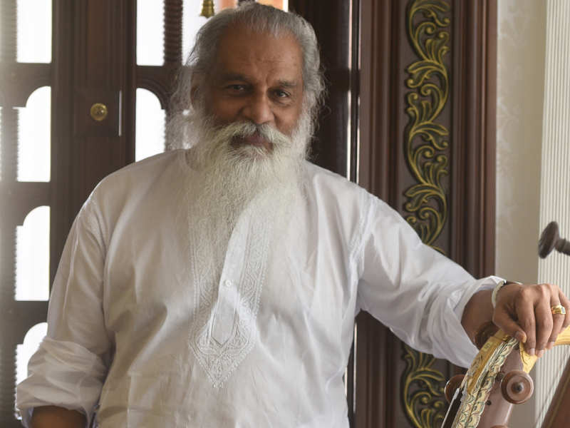 I M Still A Vidyarthi When It Comes To Music Yesudas Tamil Movie News Times Of India Performed 1990s this song from the hindi movie chitchor (1976) won dr kj yesudas india's national award for best male. music yesudas