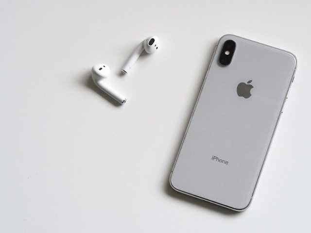 Here's how iPhone X 'beats' the best-selling new iPhone