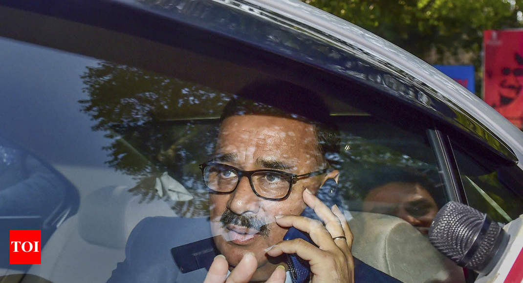 A day after being removed as CBI director, Alok Verma resigns from service -